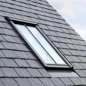 VELUX GGL CK04 SD5W2 Conservation Centre Pivot Roof Window   550mm x 980mm